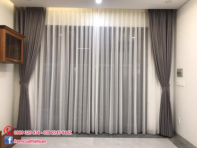 Lắp rèm cửa và cửa lưới căn hộ Aeon Tân Phú Celadon